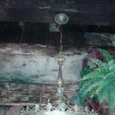 Antigüedades: LAMPARA DE TECHO MODERNISTA EN BRONCE Y PLAFON ORIGINAL EN CRISTAL TALLADO (1A MITAD DEL SIGLO XX). Lote 45833409
