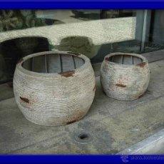 Antigüedades: MACETEROS SON DOS DE DIFERENTE TAMAÑO. Lote 27721387