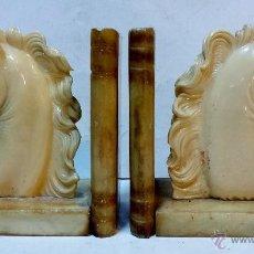 Antigüedades: 2 ANTIGUOS REPOSALIBROS CON BASE Y LIBROS DE MARMOL. LOS CABALLOS DE PASTA CON FIRMA - A.G -.. Lote 45861498