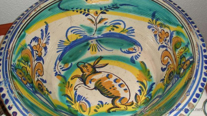 LEBRILLO EN CERÁMICA ESMALTADA TRIANA. SIGLO XIX. LAÑADO. FIGURA DEL CONEJO. (Antigüedades - Porcelanas y Cerámicas - Triana)