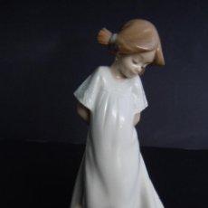 Antigüedades: FIGURA NIÑA RUBOROSA DE NAO. Lote 114304532