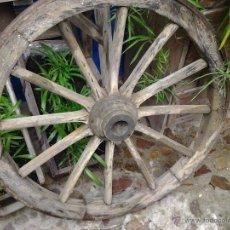 Antigüedades: ANTIGUA RUEDA DE CARRO. Lote 45908432