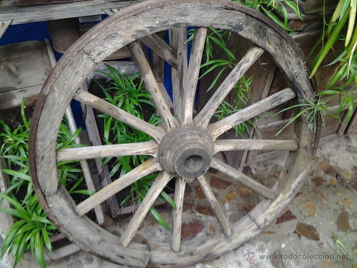 Antigüedades: antigua rueda de carro - Foto 2 - 45908432
