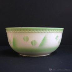 Fuente circular de cerámica de Villeroy & Boch. Alemania. Art Decó 1930 - 1935.