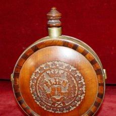 Antigüedades: ANTIGUA CANTIMPLORA O PETACA EN MADERA TALLADA Y ESTRUCTURA EN METAL. Lote 45941500