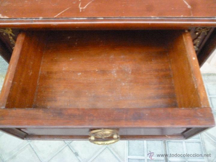 Antigüedades: MESILLA ALTA DE NOCHE DE CAOBA - Foto 3 - 45981259
