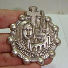 Antigüedades: MEDALLA RELIGIOSA. 43º PEREGRINACIÓN MILITAR INTERNACIONAL. LOURDES (5 CM). Lote 45982726