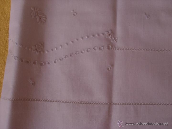 Antigüedades: Sábana de cama color blanco - Foto 6 - 46021023