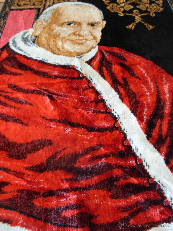 Antigüedades: Tapiz de su santidad el Papa Juan XXIII. Años 60. Medidas 103cm X 48cm - Foto 5 - 46025230