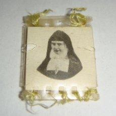 Antigüedades: PEQUEÑO RELICARIO DE RAFAELA Mª DEL SAGRADO CORAZÓN.. Lote 46036213