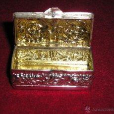 Antigüedades: PRECIOSO PASTILLERO PLATEADO. Lote 46045451