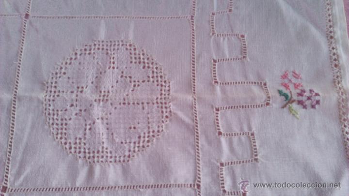 Antigüedades: Precioso tapete rectangular hecho y bordado a mano. Principios del siglo XX - Foto 4 - 46062982