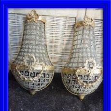 Antigüedades: APLIQUES APLIQUE DE BRONCE DORADO Y CRISTALES. ALTURA 43 CM. Lote 99532475