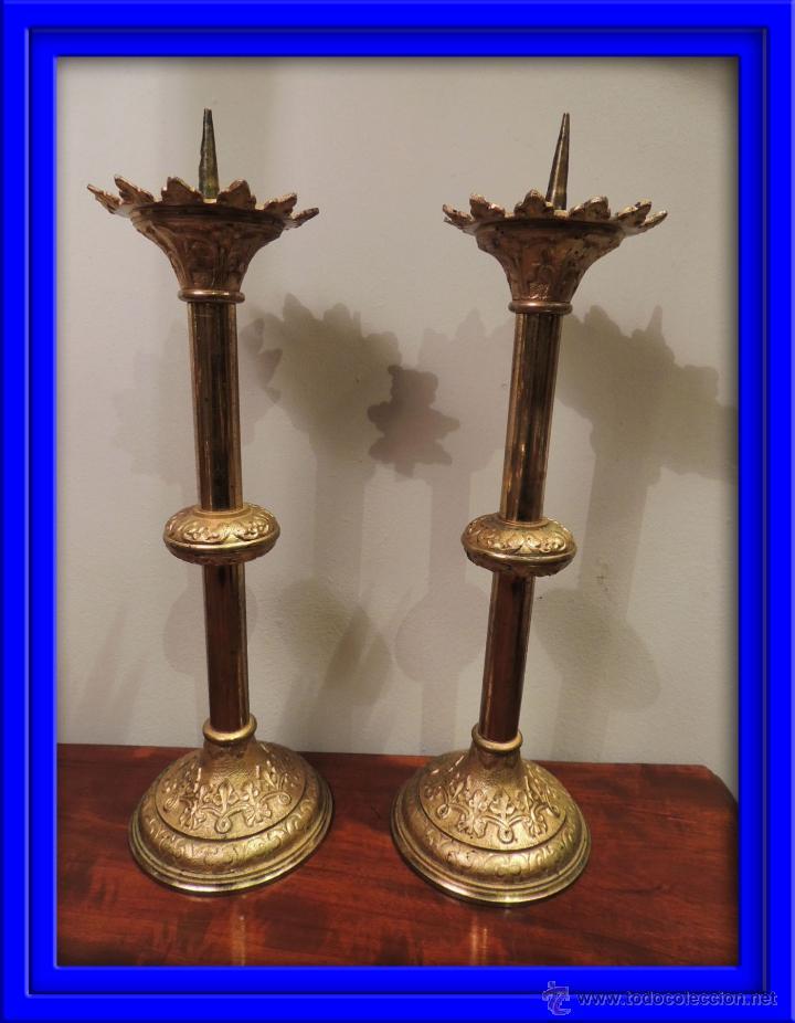 HACHEROS, CANDELEROS IGLESIA EN BRONCE DORADO AL MERCURIO (Antigüedades - Religiosas - Ornamentos Antiguos)