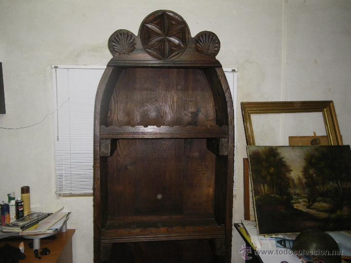BOTELLERO RUSTICO TALLADO Y CANTOS DE TRILLO GRAN CAPACIDAD (Antigüedades    Muebles Antiguos   Auxiliares