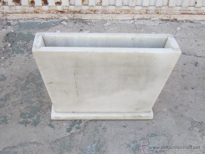 Jardinera de cementerio en marmol comprar jardineras for Jardineras de ceramica