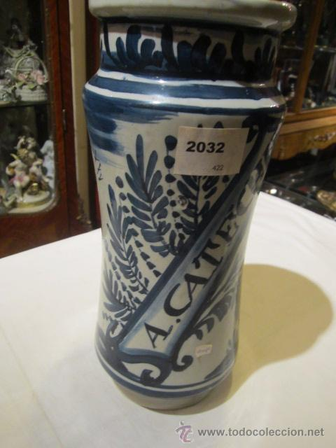 Antigüedades: Antiguo albarelo - bote de farmacia de cerámica. 26 cms. altura x 11 diámetro.Mas de un siglo - Foto 2 - 46141531