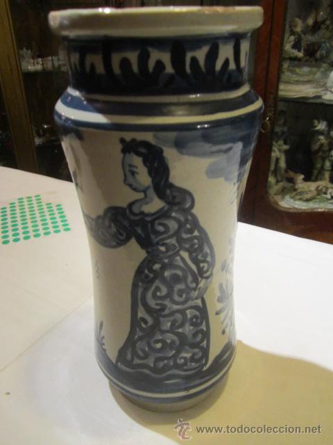 Antigüedades: Antiguo albarelo - bote de farmacia de cerámica. 26 cms. altura x 11 diámetro.Mas de un siglo - Foto 3 - 46141531