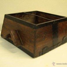 Antigüedades: ANTIGUA FANEGA DE MADERA PARA MEDIR TRIGO. UNIDAD DE MEDIDA. S.XIX. Lote 132934774