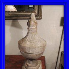 Antigüedades: BONITO PINACULO DE MADERA COPA. Lote 43073748