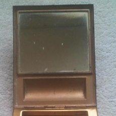 Antigüedades: M - CAJA POLVERA Y PINTALABIOS - METAL DORADO - MIDE 9,5 X 7,5 CMS -. Lote 46246203