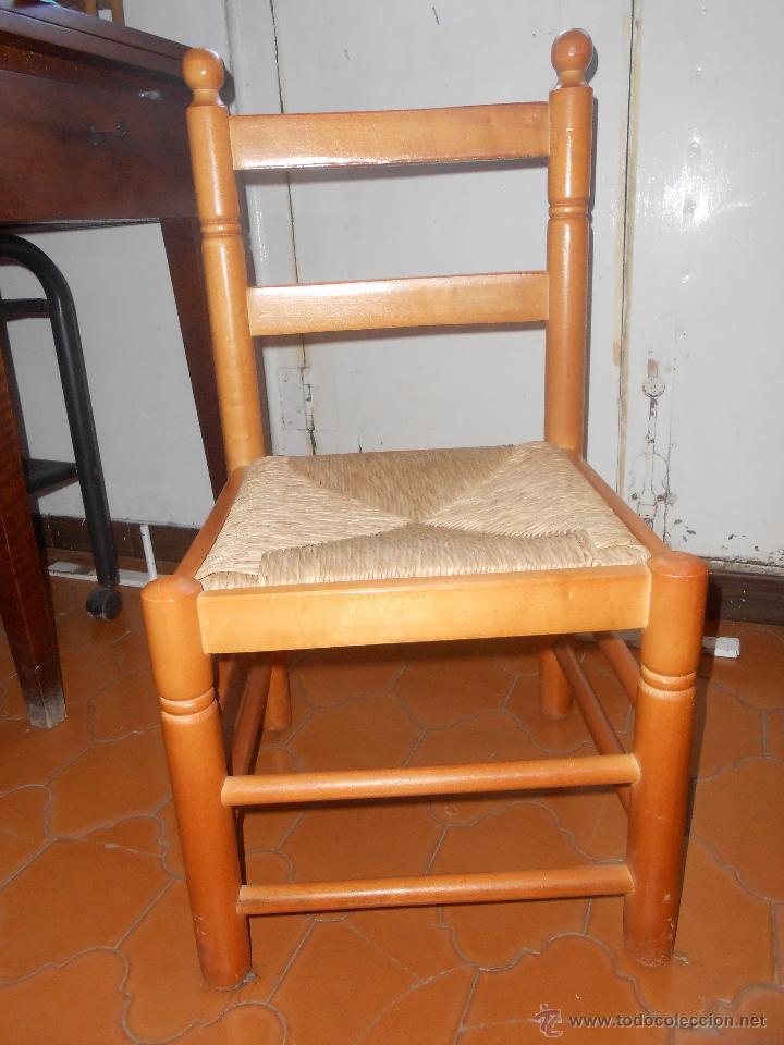SILLA BAJA -MADERA Y ENEA (Antigüedades - Muebles Antiguos - Sillas Antiguas)