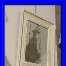 Antigüedades: ESPEJO DE MADERA EN DECAPE EN TONO BLANCO ROTO. Lote 46312181