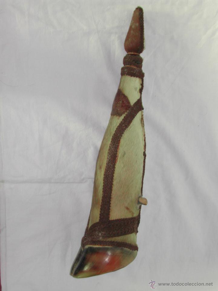 ANTIGUA BOTELLA DE PATA O PEZUÑA -- TOTALMENTE NATURAL. (Antigüedades - Hogar y Decoración - Trofeos de Caza Antiguos)