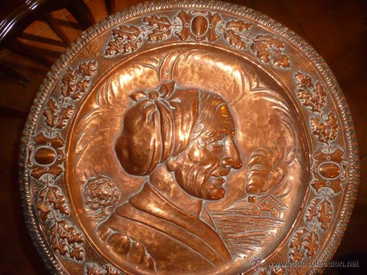Antigüedades: PAREJA DE PLATOS DE COBRE 40 CM - Foto 6 - 46362416