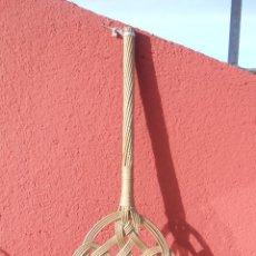 Antigüedades: ANTIGUO SACUDIDOR DE MIMBRE PARA ALFOMBRAS, COLCHONES.. Lote 46389632