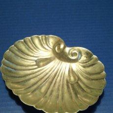 Antigüedades: CONCHA- BENDITERA ANTIGUA EN PLATA ALEMANA PUNZONADA, ALPACA... Lote 46390077