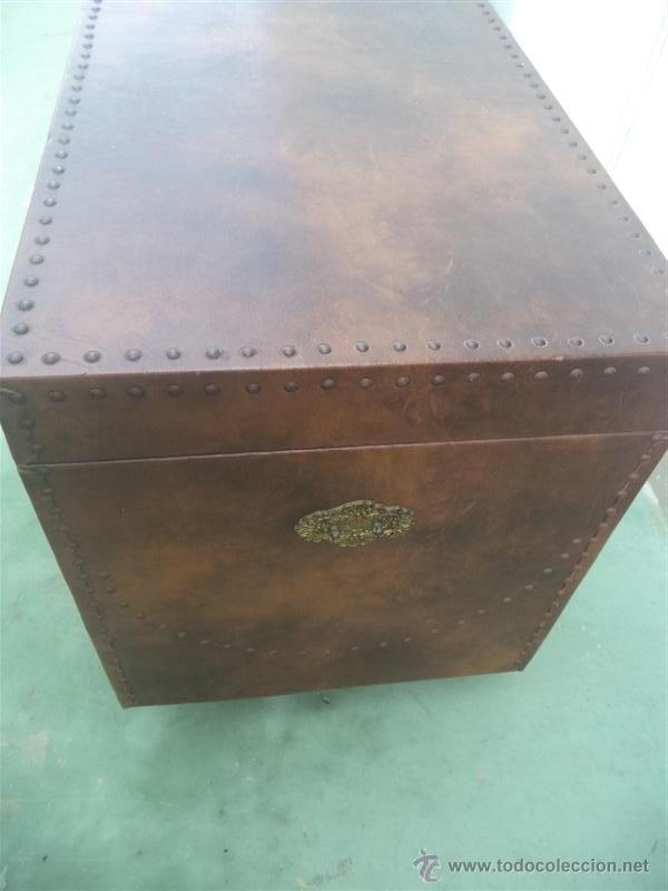 Antigüedades: arcon forrado de polipiel marron - Foto 3 - 46412849