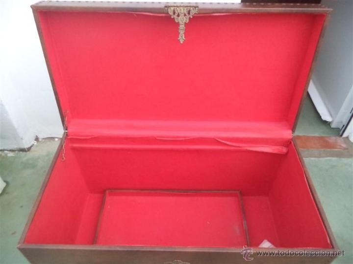 Antigüedades: arcon forrado de polipiel marron - Foto 5 - 46412849