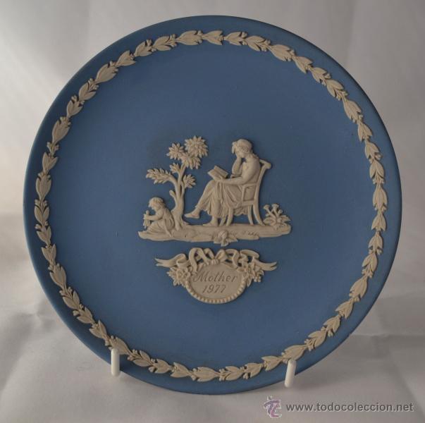 PLATO MOTHER WEDGWOOD * MADE IN ENGLAND * AZUL Y BLANCO (Antigüedades - Porcelanas y Cerámicas - Inglesa, Bristol y Otros)