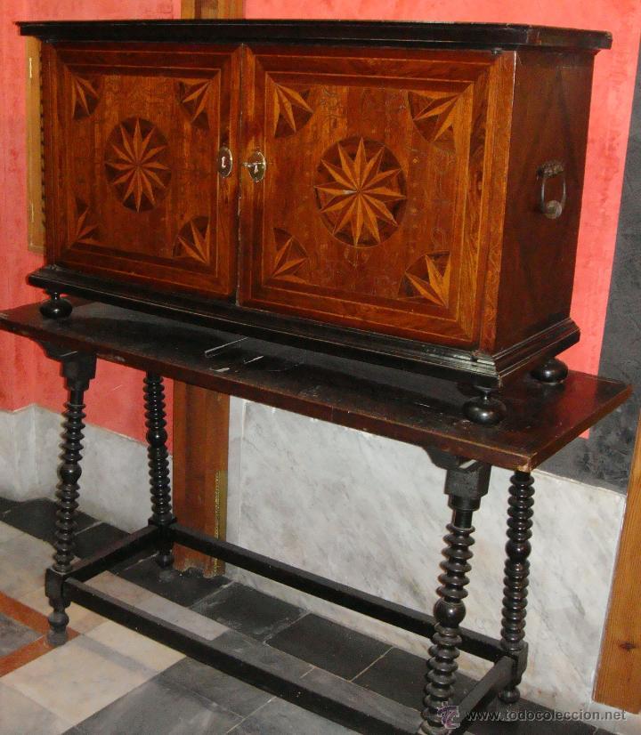 Antigüedades: Magnifico Bargueño y Mesa de Pata de Lenteja. S.XVII. Precioso trabajo en marquetería. - Foto 2 - 46433743