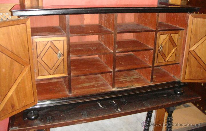 Antigüedades: Magnifico Bargueño y Mesa de Pata de Lenteja. S.XVII. Precioso trabajo en marquetería. - Foto 5 - 46433743