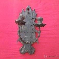Antigüedades: APLIQUE PARED PARA VELAS , MADERA Y FORJA , MUY BONITO . Lote 125430691