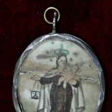 Antigüedades: RELICARIO EN PLATA DEL SIGLO XVIII CON IMAGEN PINTADA A DOBLE CARA DE LA VIRGEN DEL CARMEN. Lote 46546538