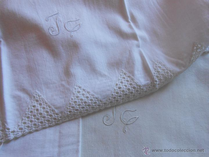 Antigüedades: Sábana encimera y Funda almohada -Puntillas a ganchillo y letras bordadas JG - Foto 2 - 46552959