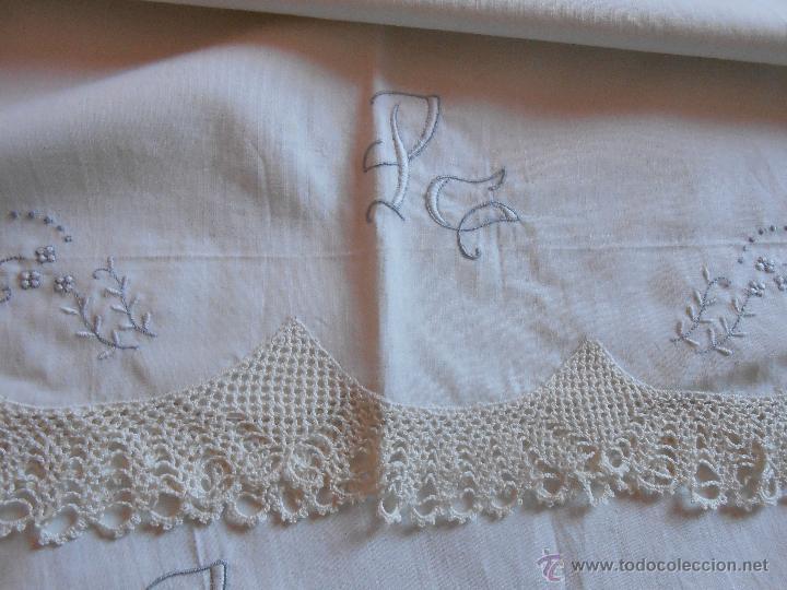 Antigüedades: Sabana encimera y Funda almohada -Iniciales PG -Bordadas y Puntillas a ganchillo - Foto 2 - 46553062