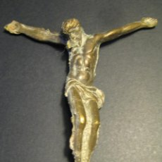 Antigüedades: CURIOSO CRISTO DE BRONCE, SIN CINCELAR. 10 X 10 CM. Lote 46555412