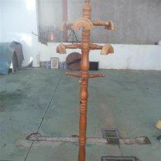 Antigüedades: PERCHERO DE MADERA DE PIE. Lote 46599024