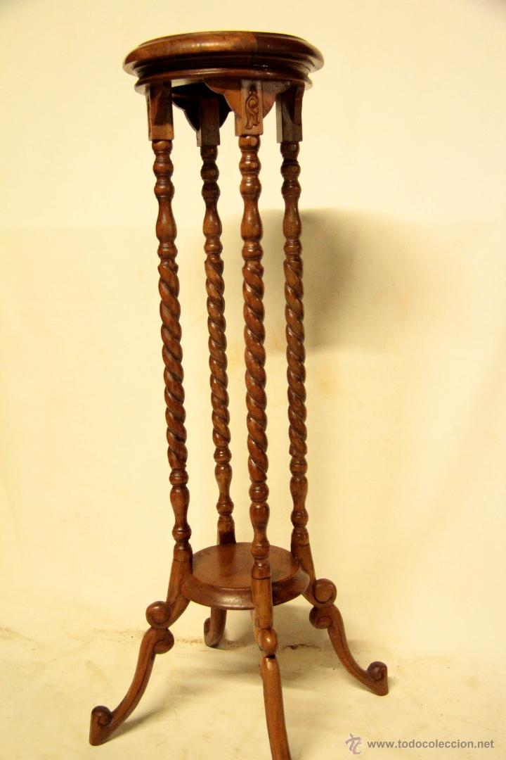 Extraordinario pedestal de madera noble peana comprar for Muebles auxiliares clasicos madera