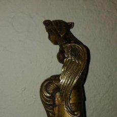 Antigüedades: ANTIGUO BASTON CON EMPUÑADURA EN BRONCE. Lote 46727683
