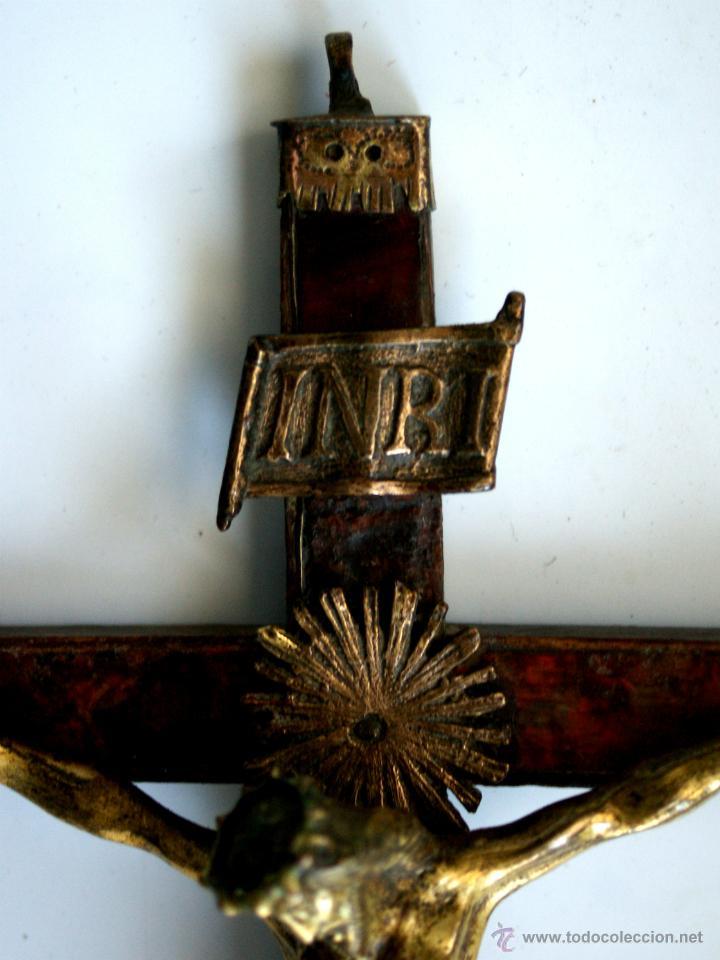 Antigüedades: CRUCIFIJO DE BRONCE SOBREDORADO - S. XVII - Foto 16 - 46755538
