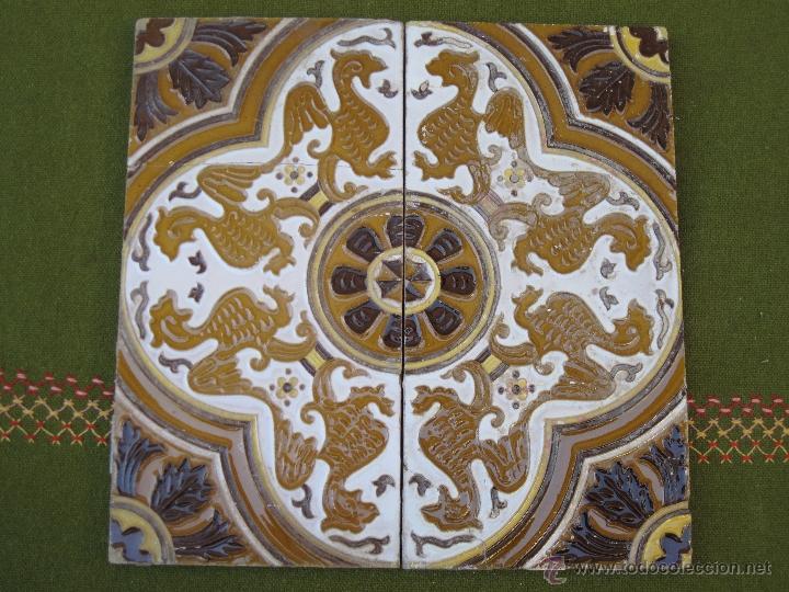 LOTE DE DOS AZULEJOS ANTIGUOS DE SEVILLA / TRIANA. (Antigüedades - Porcelanas y Cerámicas - Triana)