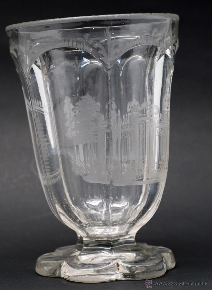 Antigüedades: Copa cristal La Granja grabado iniciales MJ y vista verja Palacio S XIX - Foto 2 - 46808397