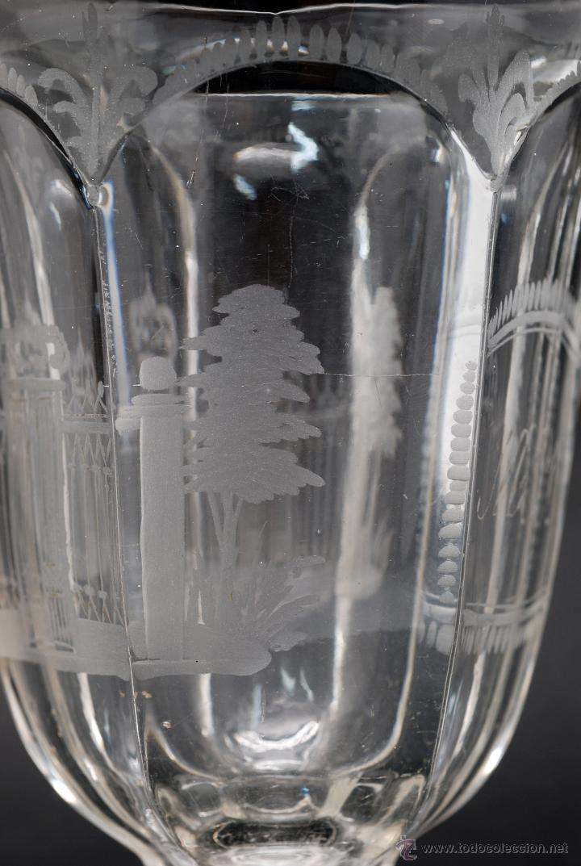 Antigüedades: Copa cristal La Granja grabado iniciales MJ y vista verja Palacio S XIX - Foto 8 - 46808397