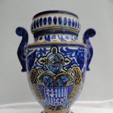 Antigüedades: BONITO JARRÓN DE PORCELANA DE MANISES. . Lote 46816212
