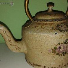 Antigüedades: ANTIGUA TETERA DE HIERRO MUY DECORADITA. Lote 46825724